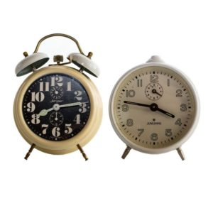 Lot of 2 table clocks (Junghans, Jerger) made in Germany