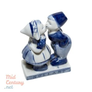 Delft porcelain figurine (hand painted)