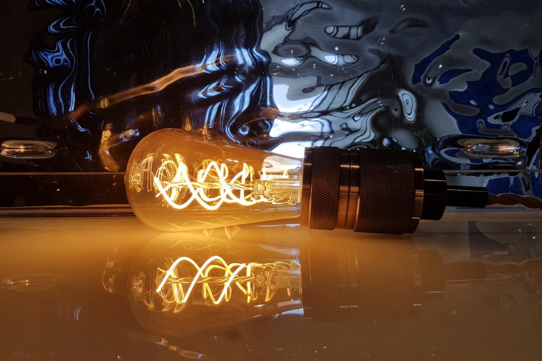 Power plugs, outlets & lightbulb sockets. A short guide.
