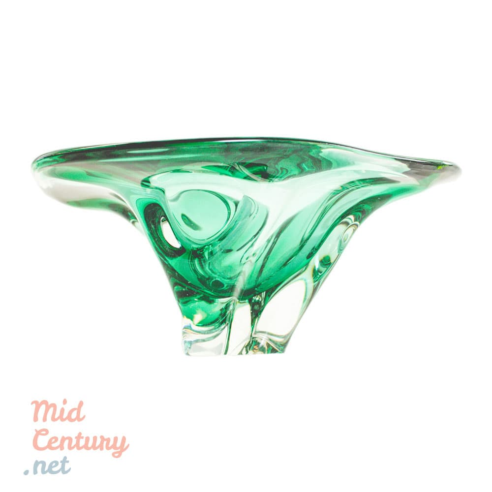 Imposing emerald fruit bowl made in Murano in the 1970s